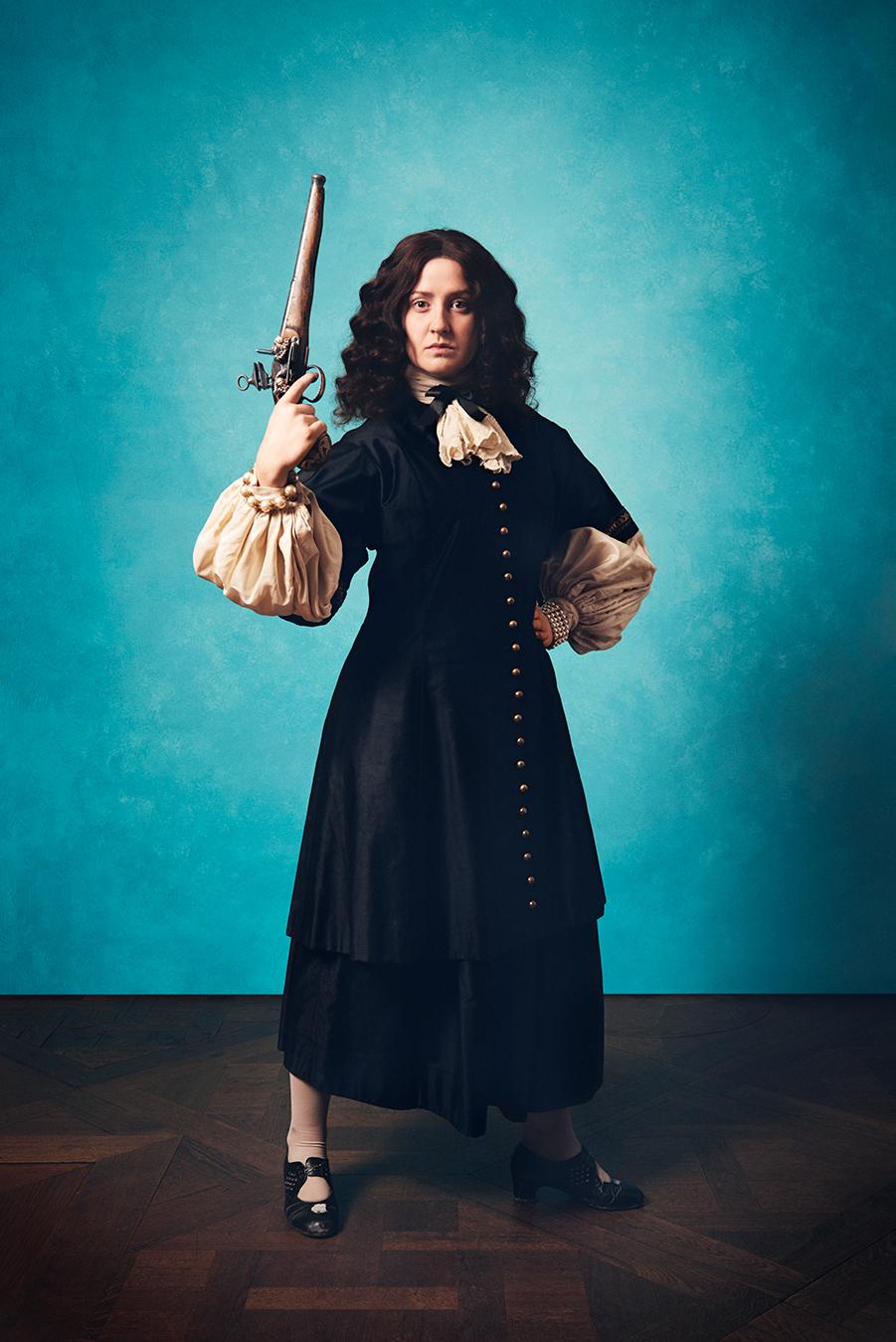 Jessie Lewis Skoglund som Drottning Kristina